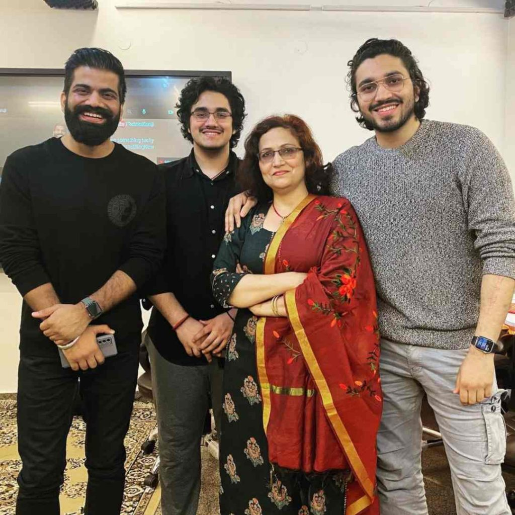 Aman Dhattarwal with his family